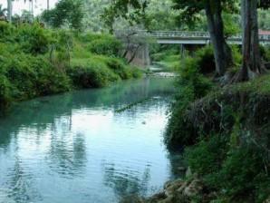 El río de una ciudad condal cubana