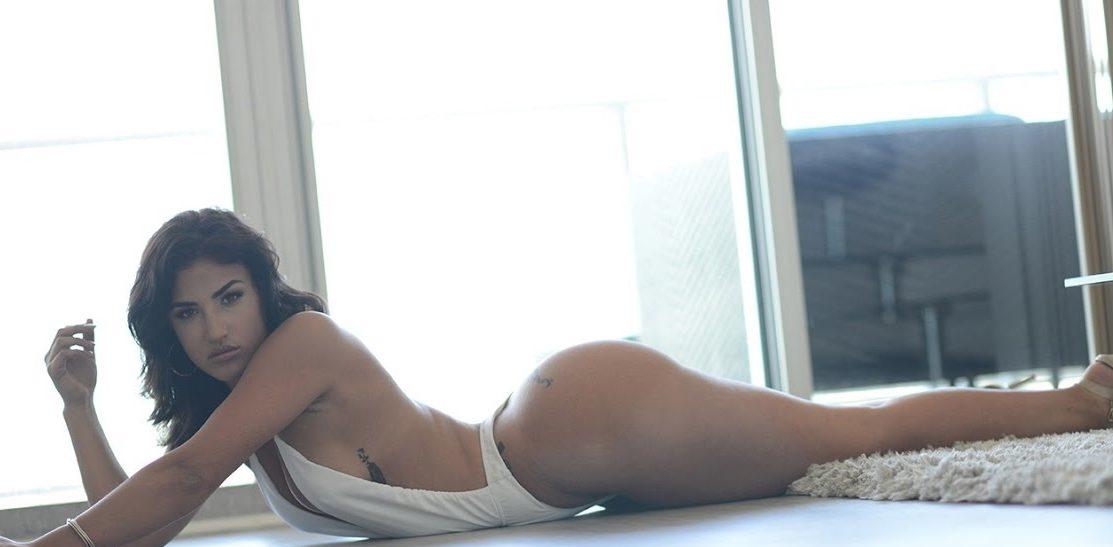 Una cubana de cuerpo natural